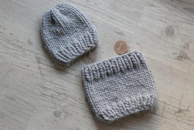 Komplet dziecięcy - czapka i komin