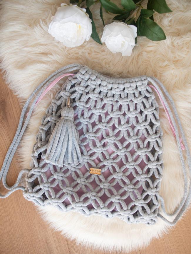 Plecak jasny szary z pudrowym organizerem