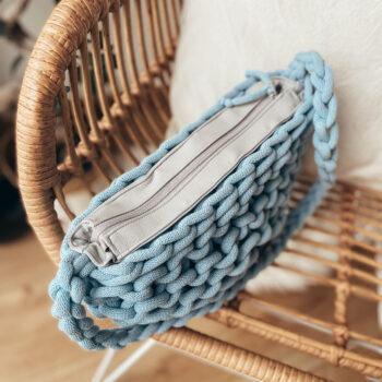 Błękitna torebka